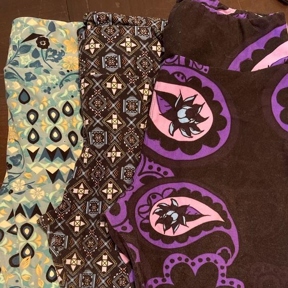 Bundle of Lularoe leggings
